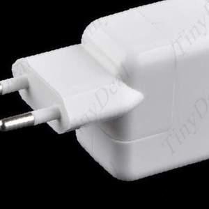 Зарядное устройство для iPad / iPhone / iPod
