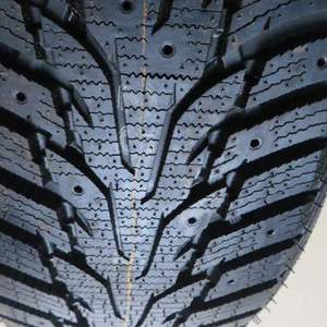 Nexen Winguard Win-Spike 215/60R16