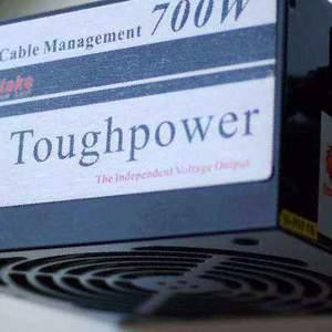 Блок питания Thermaltake Toughpower 700W, б/у