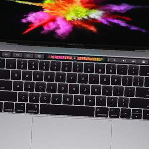 2017 MacBook Pro 13 256GB Touch Bar
