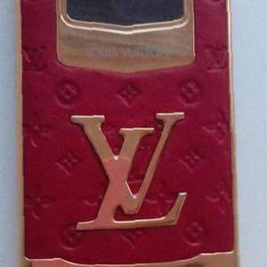 Louis Vuitton LV 8